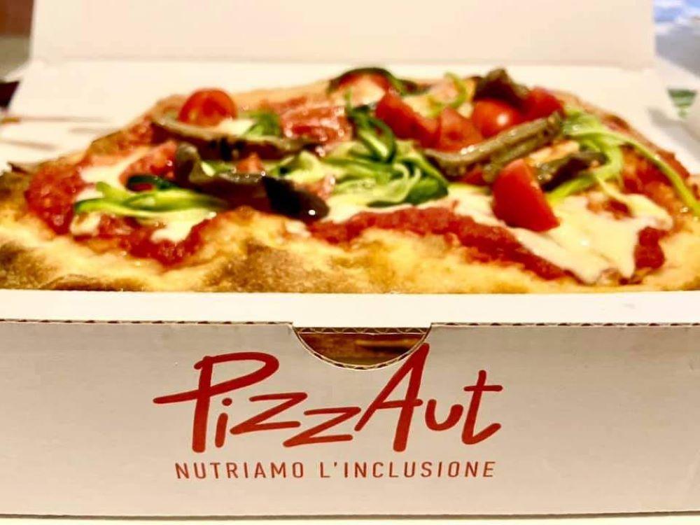 Apre a Milano PizzAut: una pizzeria con lavoratori autistici!